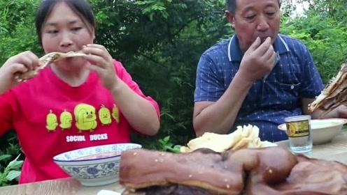 胖妹买了10斤猪头做卤味,一家子全爱吃这玩意,大口吃肉太爽了