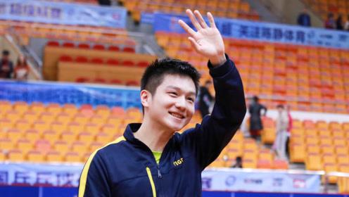 樊振东有多强?4:2击败张本智和,成功卫冕世界杯冠军!