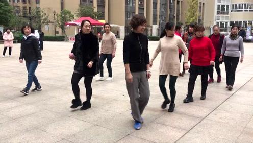简单8步鬼步舞,舞步动感,每天坚持强身健体有益减肥