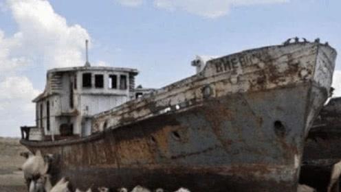 """沙漠冒出百年巨大轮船,疑似""""时空转移"""",连专家都没法解释"""