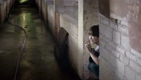 美女看到小伙就跟见了鬼一样,拔腿就跑,这是怎么了!