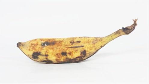 """不管家里多有钱,烂香蕉一根也别扔,变废为宝真""""值钱"""",涨知识"""