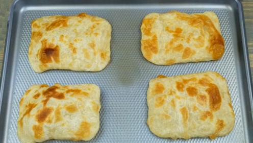 做千层饼,掌握两个小技巧,外皮酥脆,内里柔软多层,放凉也不硬