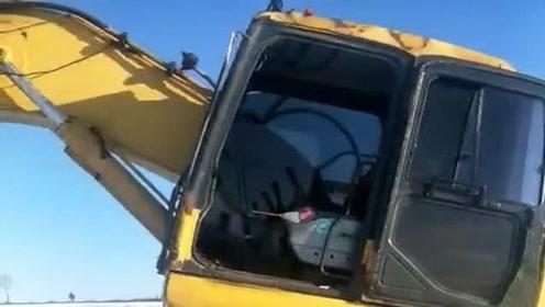现在科技这么发达了吗?挖机都开始有无人驾驶功能了,厉害!