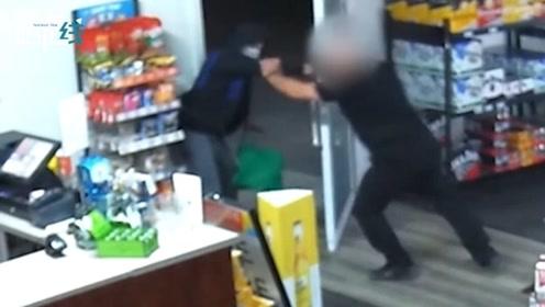 丝毫不慌!澳洲一7旬店主赤手空拳打跑持刀劫匪 歹徒落荒而逃