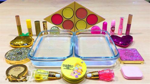 DIY史莱姆教程,金色亮粉化妆品搭配玫红色化妆品、透明水晶泥