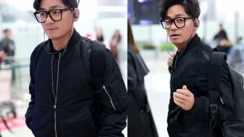 恋爱后王宝强越来越时尚,撩起刘海帅成韩国明星