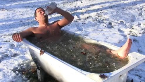 零下十几度的雪地,55岁大爷一口伏特加,下一秒这是开挂了?