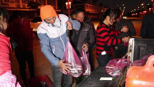 阿烽阿雄这两天疯狂赚钱,今天又抓上百斤鱼,卖多少钱都数不清了