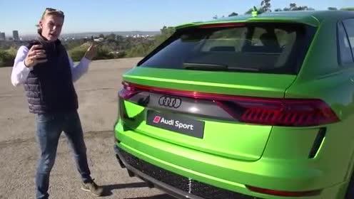 尾部设计很简约,全新一代奥迪RS Q8测试