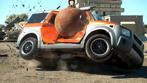 10吨重的铁球有多强的破坏力?找来三辆汽车,真是有钱任性