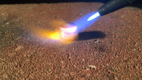 超级磁王钕磁铁遭遇高温挑战,被烧的坑坑洼洼的,还能有磁性吗?