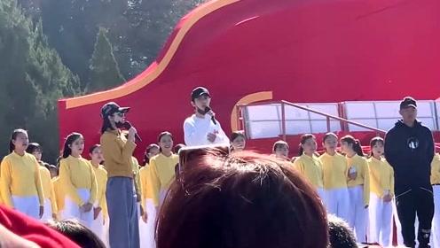 朱一龙肖战参加同一节目彩排,粉丝们集体炸锅了,期待两大男神的演出