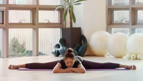 这个瑜伽动作,只要勤加练习,马上拥有纤细身材
