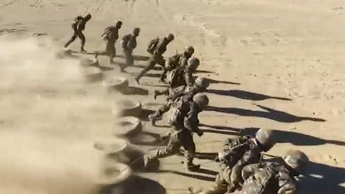 """新疆高原特种兵有多苦、多酷?这7天硬仗""""炼""""出的都是硬汉"""