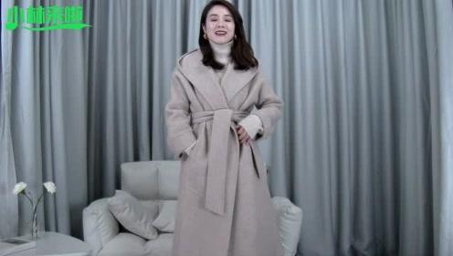 这款羊绒大衣不得了,几个独特设计,真是高端大气上档次!