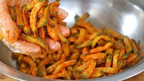 萝卜干的秘制做法,只需这2步,做出来香辣又脆嫩,开胃又解馋!