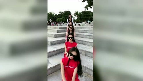 六胞胎姐妹坐成一排尬舞,这颜值都太强了
