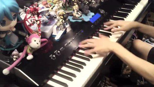 牛人随便弹钢琴都能这么帅 这手简直太好看了