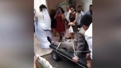 当你想结婚而另一半却还没准备好时,新娘太霸气了!