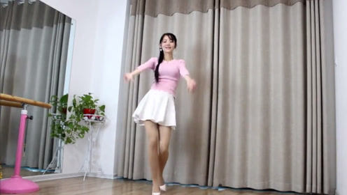 这个甜歌皇后,茶山情歌,歌曲动听舞蹈优美人更美!