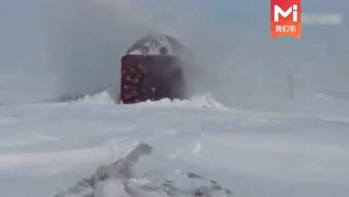 世界上最危险的极端铁路,也只有印度这样惊人的火车才能做到!