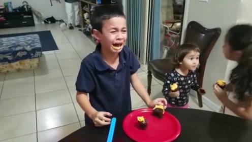 小男孩得知将迎来第三个妹妹 瞬间嚎啕大哭