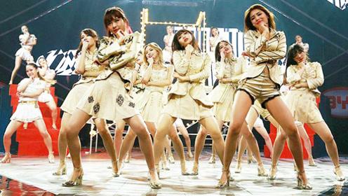 中国最火女团SNH48跳《小苹果》 台下观众都看呆了