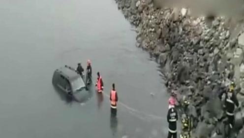 大连一男子驾奔驰SUV坠海 被救时身体僵硬已死亡