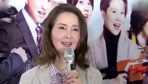 李小璐与母亲同框似姐妹 母亲身价上亿身份遭起底