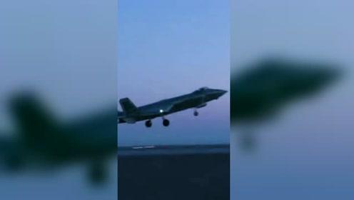 """中国空军超强杀器""""蓝天散步"""""""