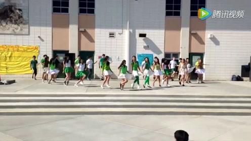 韩国高中生校园多人舞蹈,这场面真是头一回见啊!