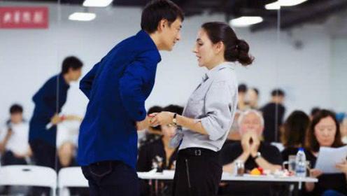 刘烨妻子安娜首演舞台剧将全国巡演 社长大力宣传和支持