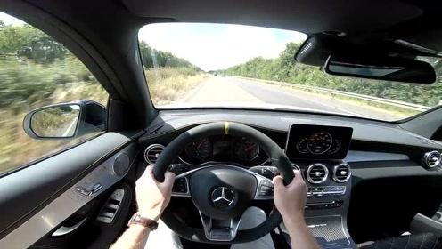 奔驰AMG GLC 63 S 开上德国高速,这性能还要买啥超跑?