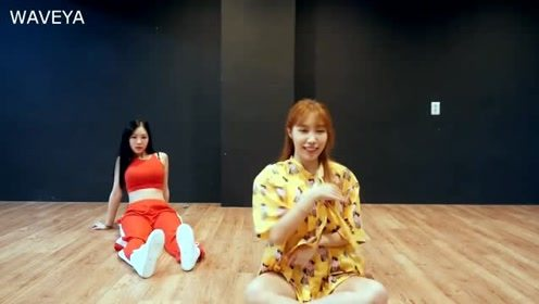Waveya姐妹花双人翻跳BTS《IDOL》
