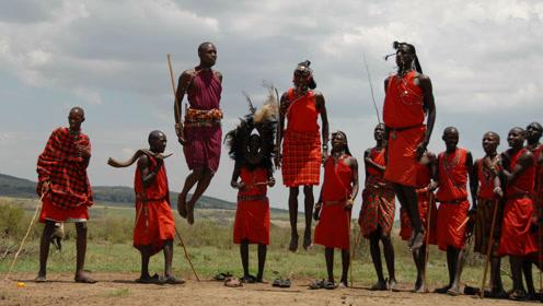 为什么在非洲草原上穿红衣服,就能吓跑一群狮子?