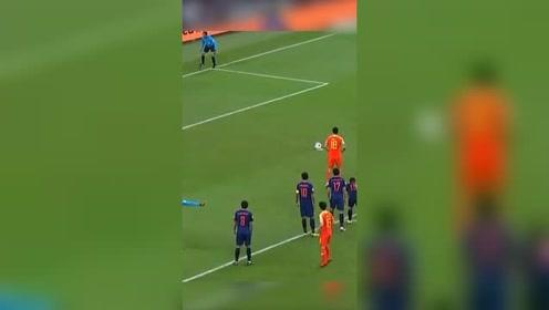 嗨爆!中国男足挺进亚洲杯八强