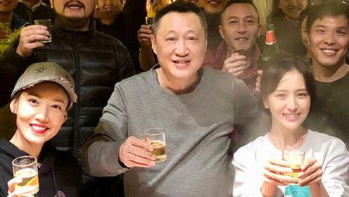 佟丽娅带娃与剧组共度元宵节 陈思诚未现身