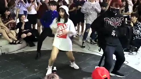 苏芮琪韩国街头和男生一起翻跳EXO《Ko Ko Bop》,超帅气