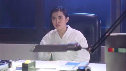 林正英电影:林正英想离开,看到王祖贤,居然犹豫了
