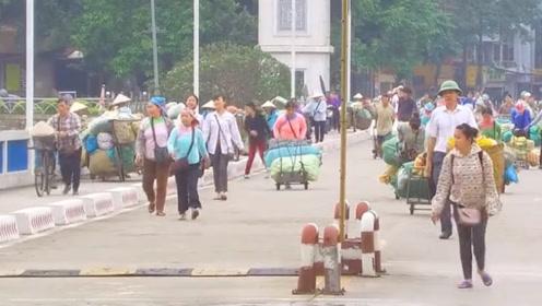 每天都在上演!越南人百米冲刺跑着来中国,太壮观了