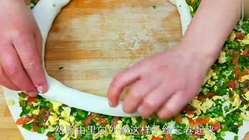 1把韭菜2个西红柿,不炒也不煮,比包子油条还好吃,看着就馋人