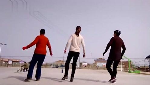 广场舞《青青河边草》舞蹈简单易学,歌曲动听,大家一起来跳舞吧