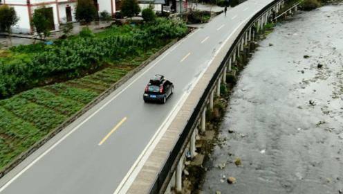 环游中国第二天,刚上高速就被交警拦下,不但没处罚还得到了祝福