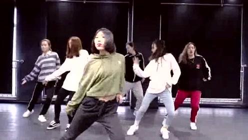 看完小姐姐跳的这段舞,我也想去学舞蹈了!