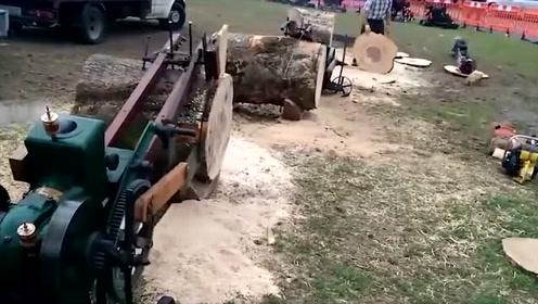 科技探秘:牛人自制的自动劈柴机_用起来特别省时省力
