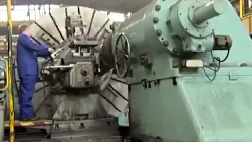 科技探秘:重型数控车床加工大铁轴,国外的技术确实很厉害