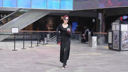 长款连衣裙搭配高跟短靴,春天的搭配,更显姑娘的时尚气质