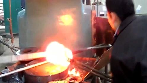 烧红的钢柱如何变成法兰的,带你看看法兰的制造过程,看完明白了