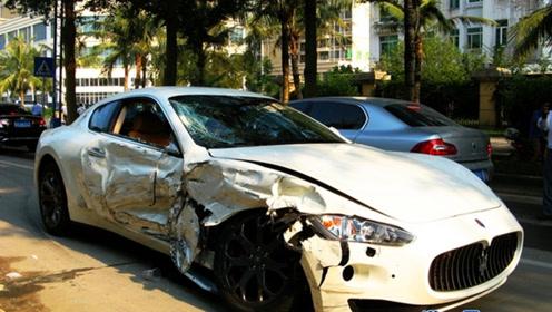 叉车司机撞上玛莎拉蒂,光维修费就得10万,叉车都不够赔吧!